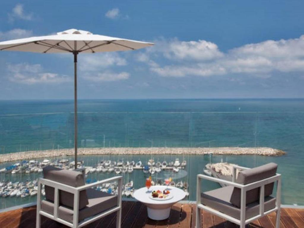 Carlton Tel Aviv Hotel Luxury On The Beach
