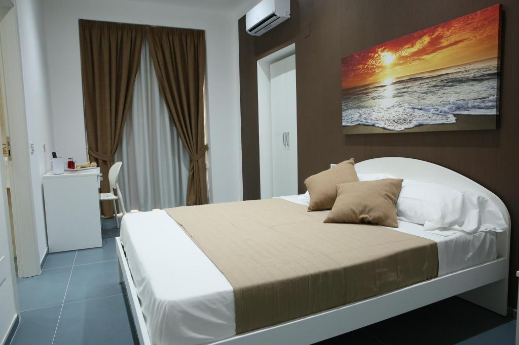 De Gregoris Ceramiche Latina.Mascalzone Latino Luxury Rooms Neapolis Italija Didziausios Nuolaidos