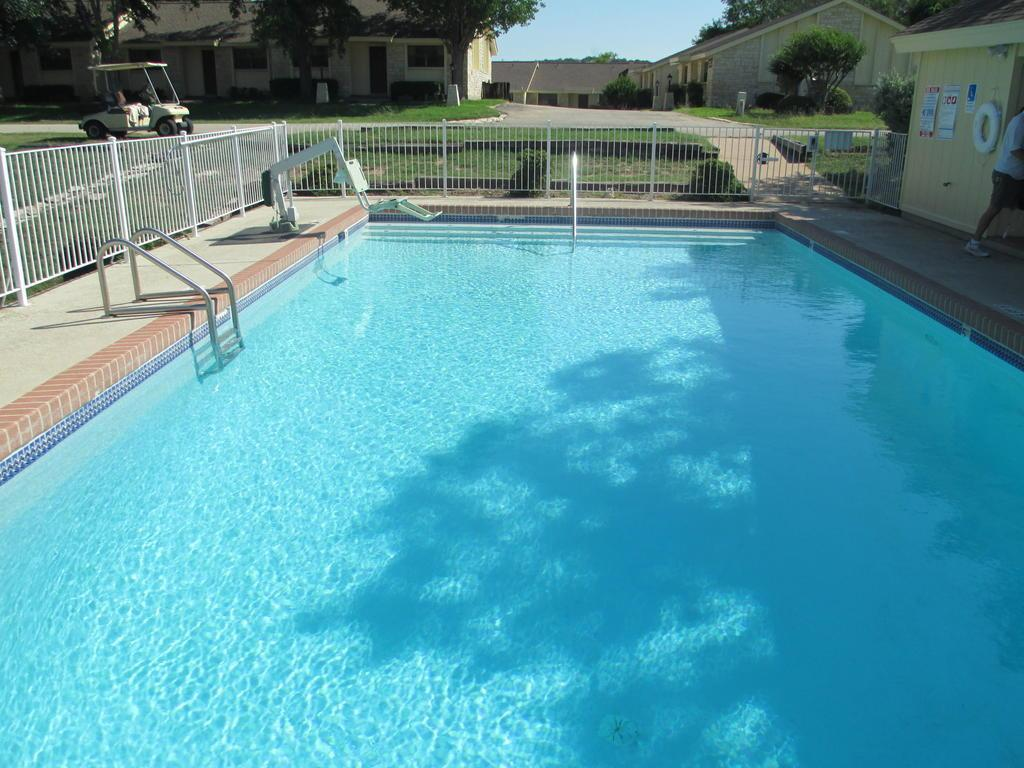 Vacation Villages at Lake Travis by VRI Resort in Lago