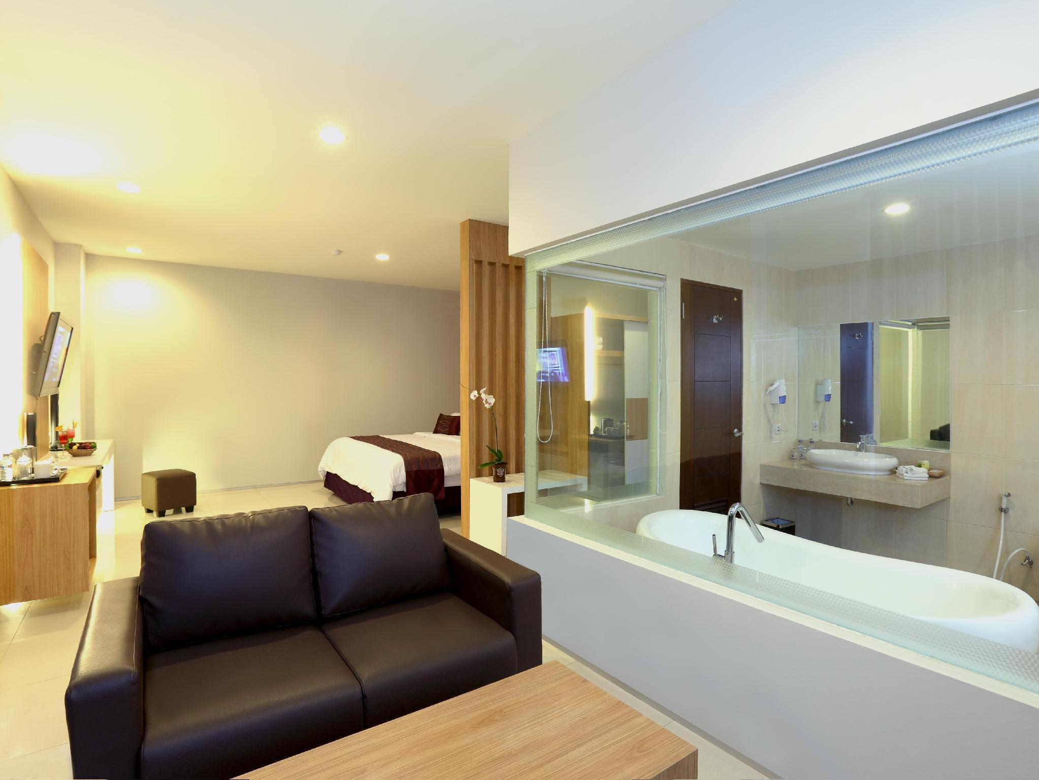 Kamar Suite Plaza (The Plaza Suite Rooms)