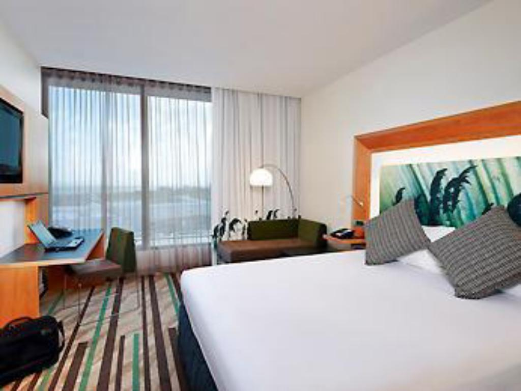 Rum King Executive Novotel Auckland Airport Hotel