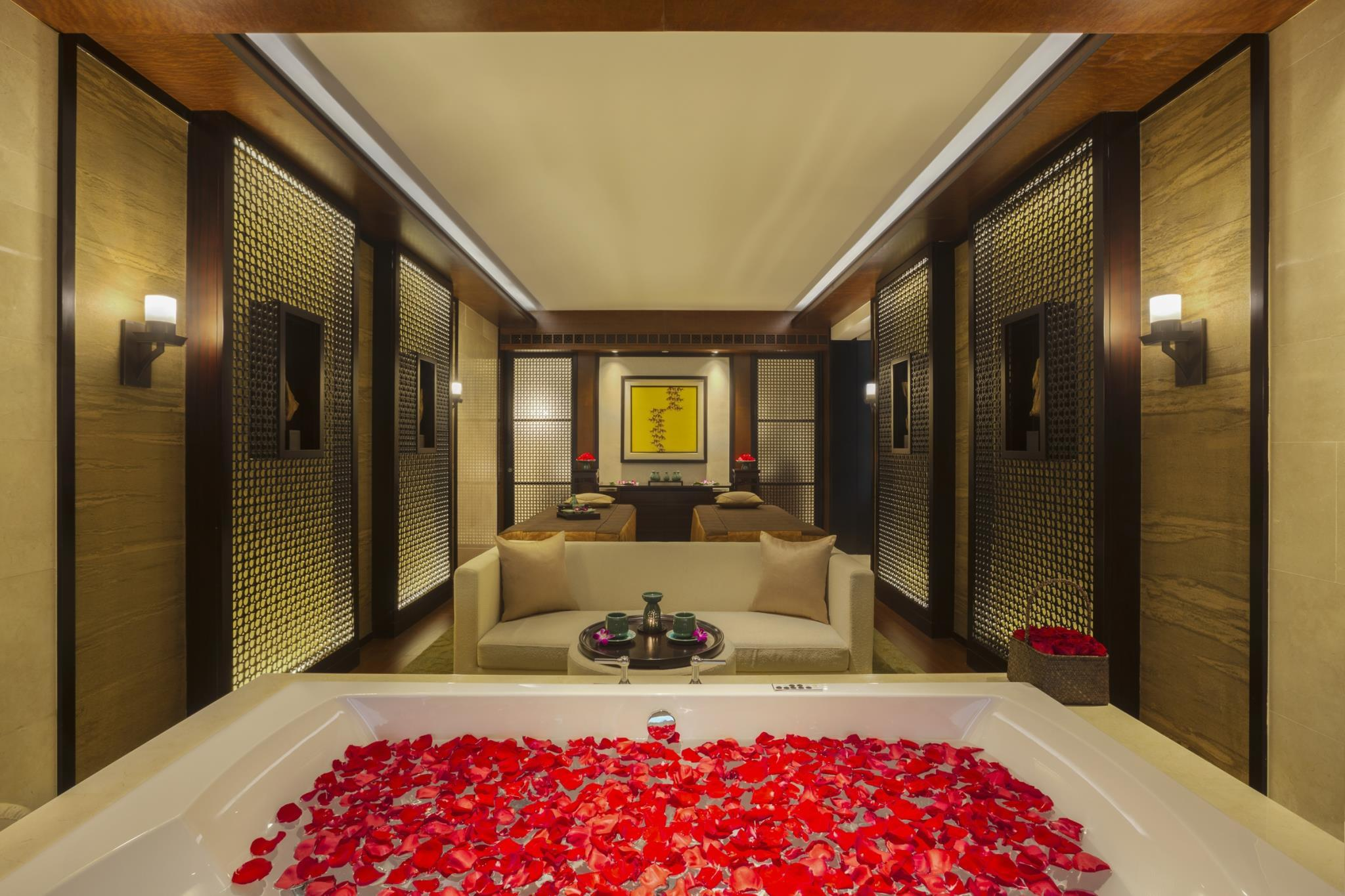 Banyan Tree Spa Sanctuary Suite