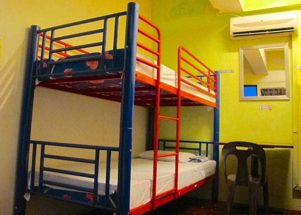 Bed in 4 Bed Dormitory (B) - Room plan Akinabalu Youth Hostel