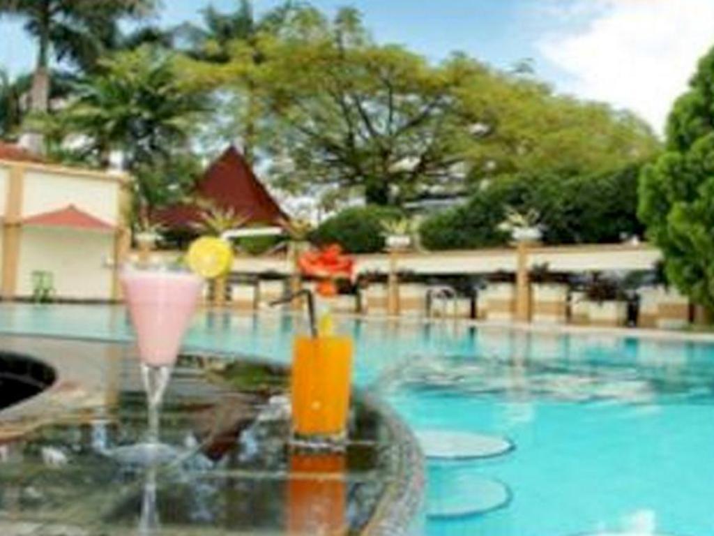 Best Price On Crown Hotel Tasikmalaya In Reviews