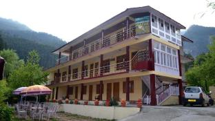 Hotel Chetna & Cottages