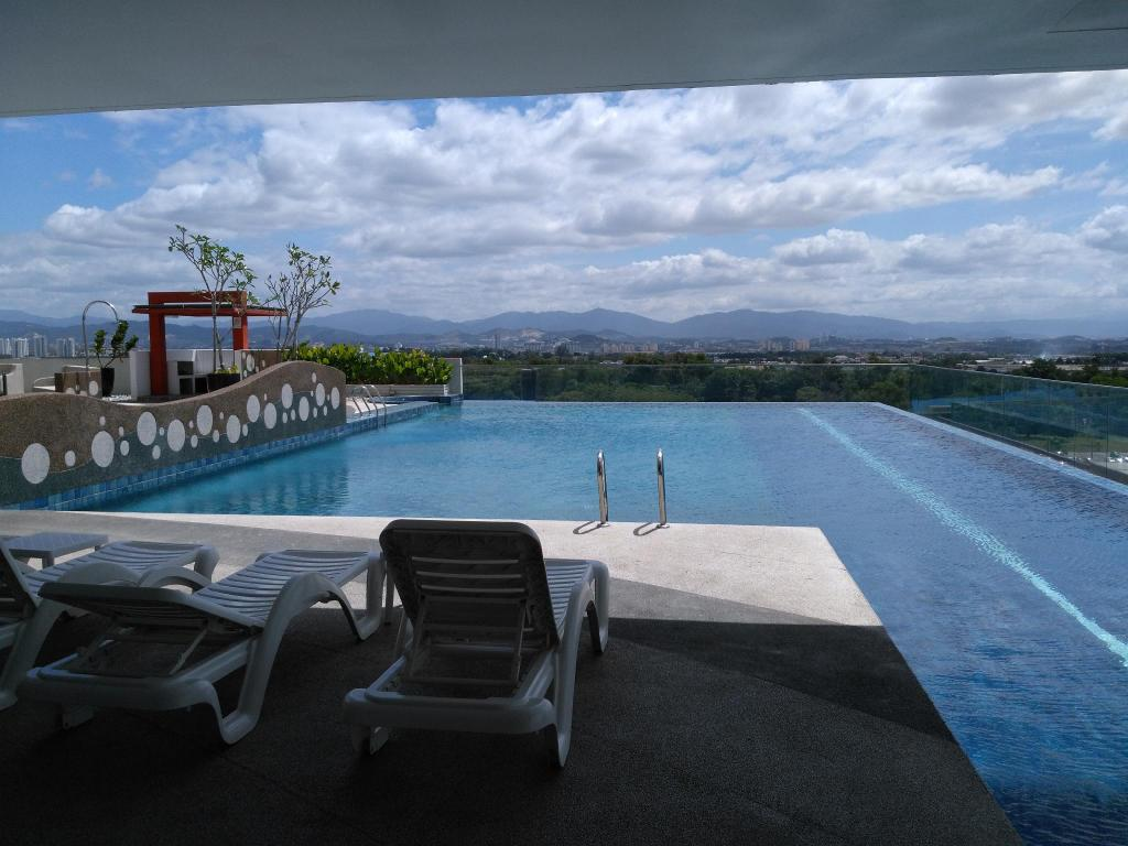 See all 35 photos De Centrum Residence Pool View