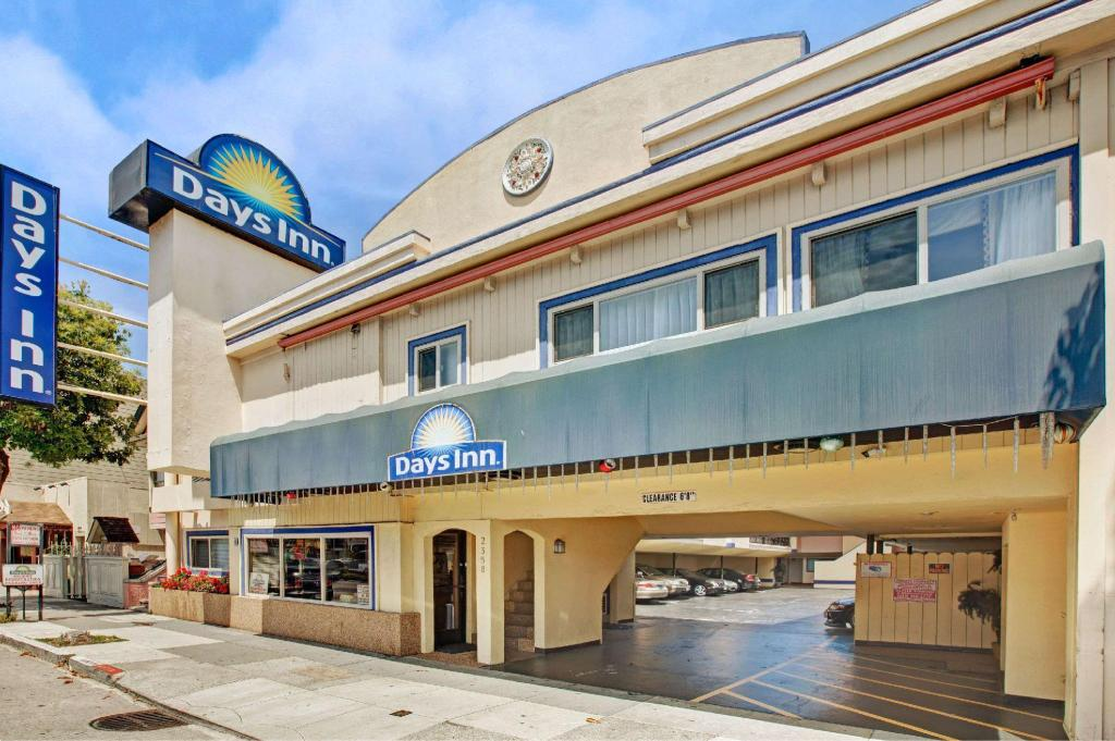 Exterior view Days Inn by Wyndham San Francisco - Lombard