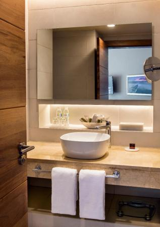 Superior Room - Bathroom Occidental Punta Cana - All Inclusive Resort
