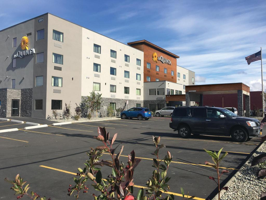More about Super 8 Anchorage