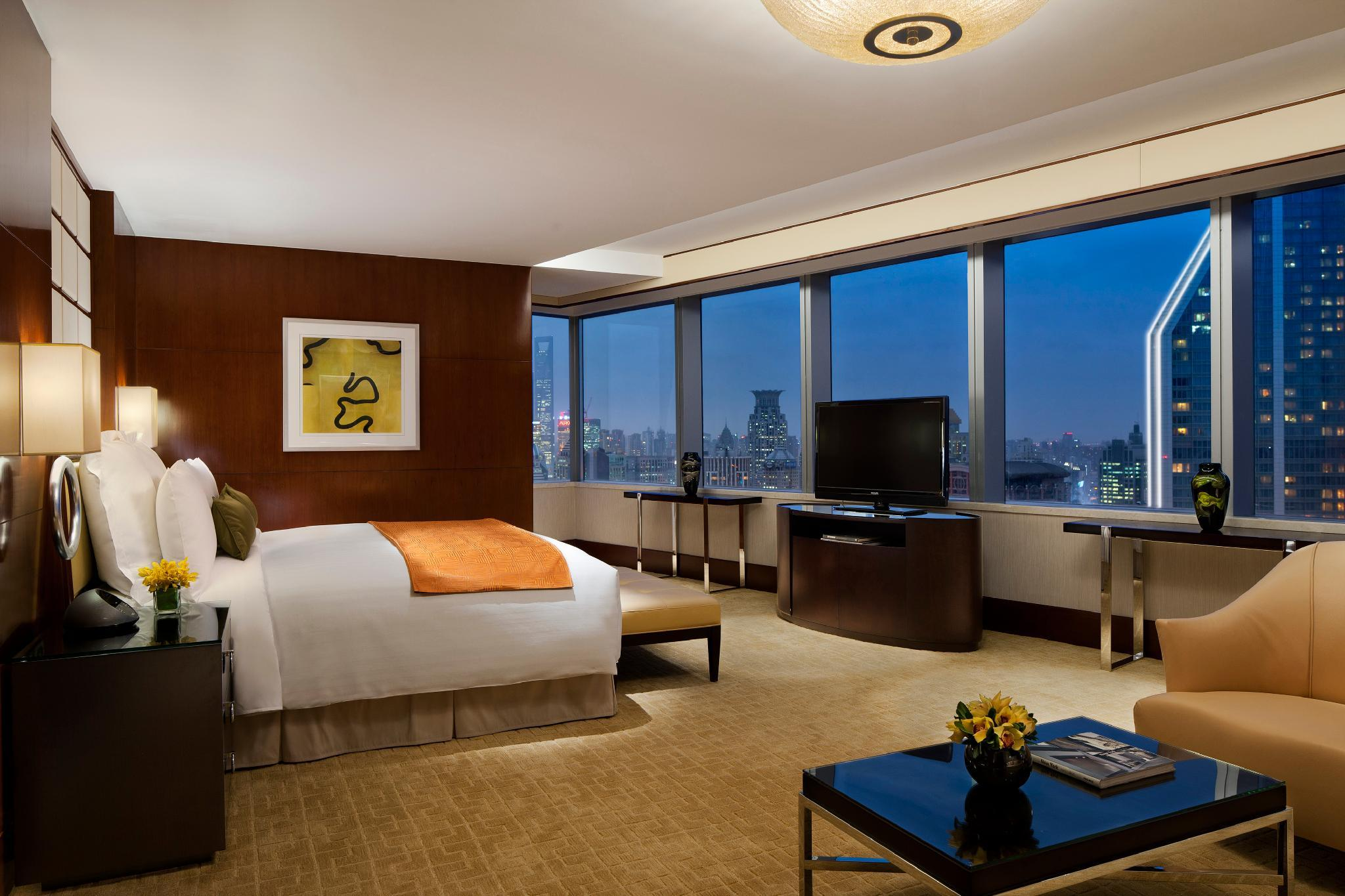 River View Suite, Executive lounge access, 1 King, City view