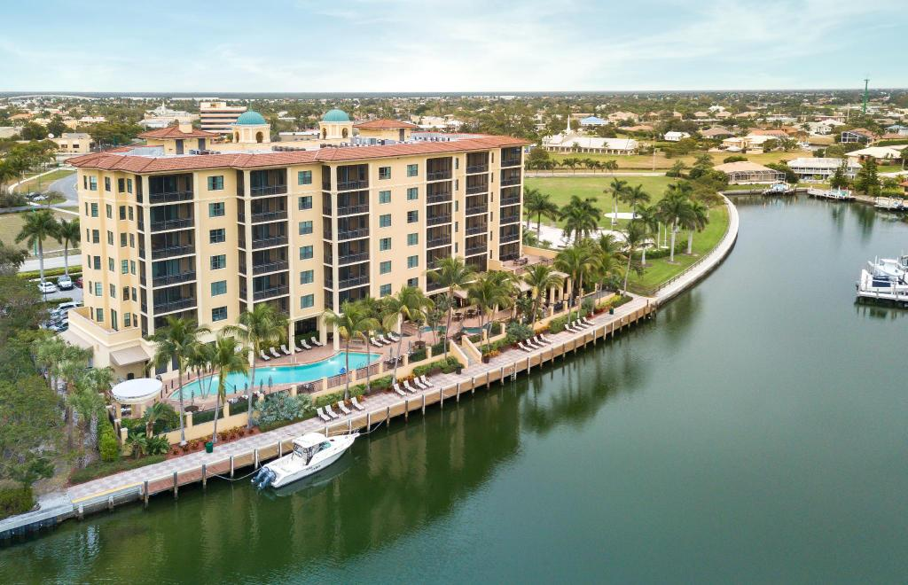 Holiday Inn Club Vacations Sunset Cove Resort In Marco
