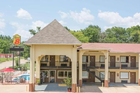 Exterior view Super 8 By Wyndham Shreveport
