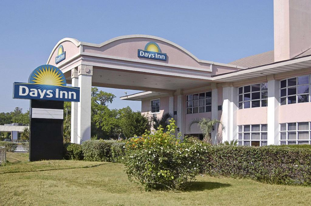 Days Inn by Wyndham Gainesville University