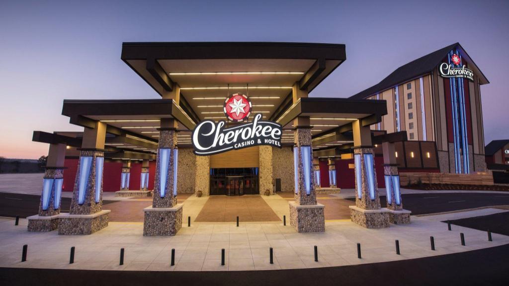 Cherokee Casino Hotel Roland in Roland (OK) - Room Deals