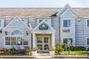 Days Inn & Suites by Wyndham Boardman