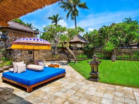 Villa Luxury Pemandangan Kebun The Oberoi Beach Resort