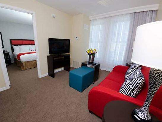 Best Price on Fairfield Inn Suites Atlanta Downtown in Atlanta GA