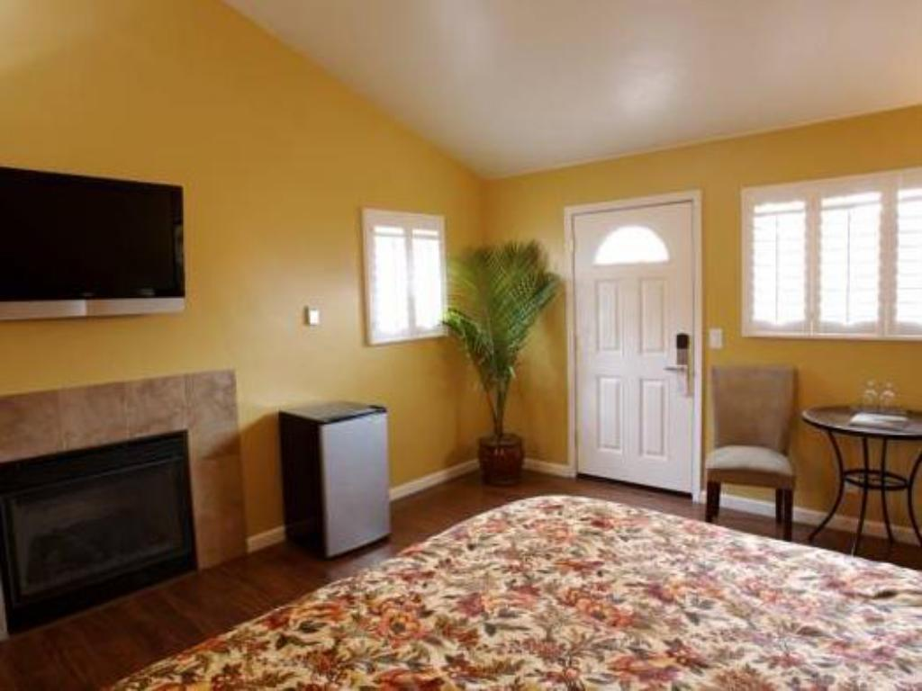 Sunset Inn Pacific Grove in Monterey (CA) - Room Deals, Photos & Reviews