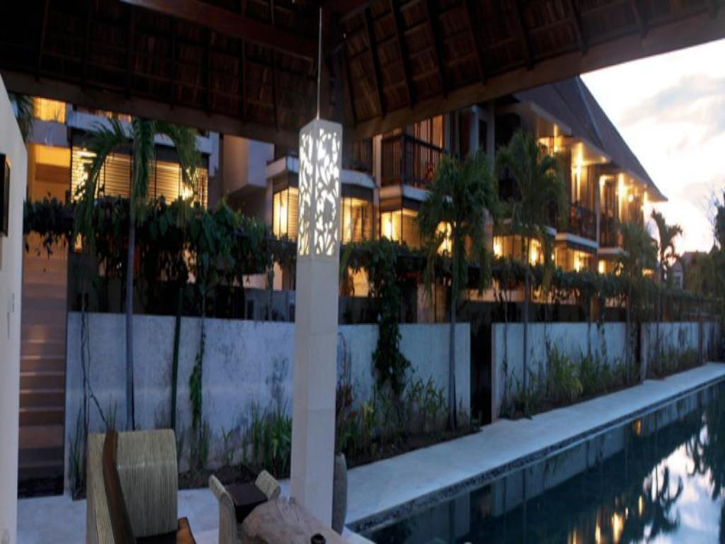 مسبح سايانج سانور تراس هاوس (Sayang Sanur Terrace House)