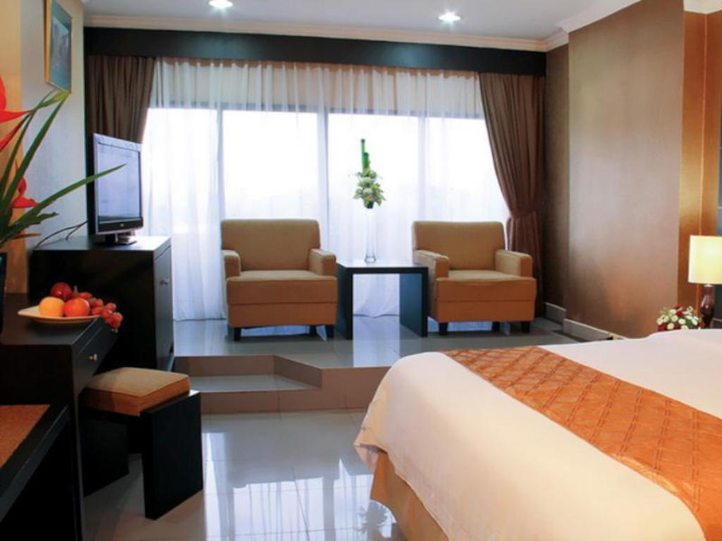 Deluxe Suite Danau Toba Hotel International