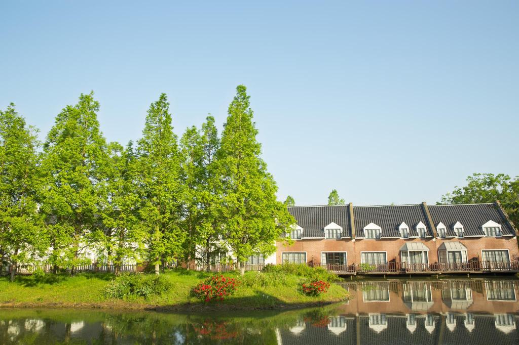 豪斯登堡森林別墅 (Huis Ten Bosch Forest Villa)