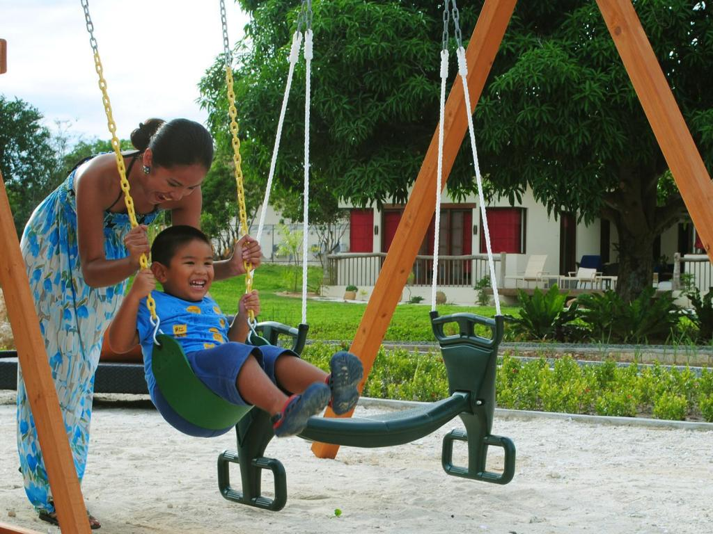 Playground Bluewater Panglao Beach Resort