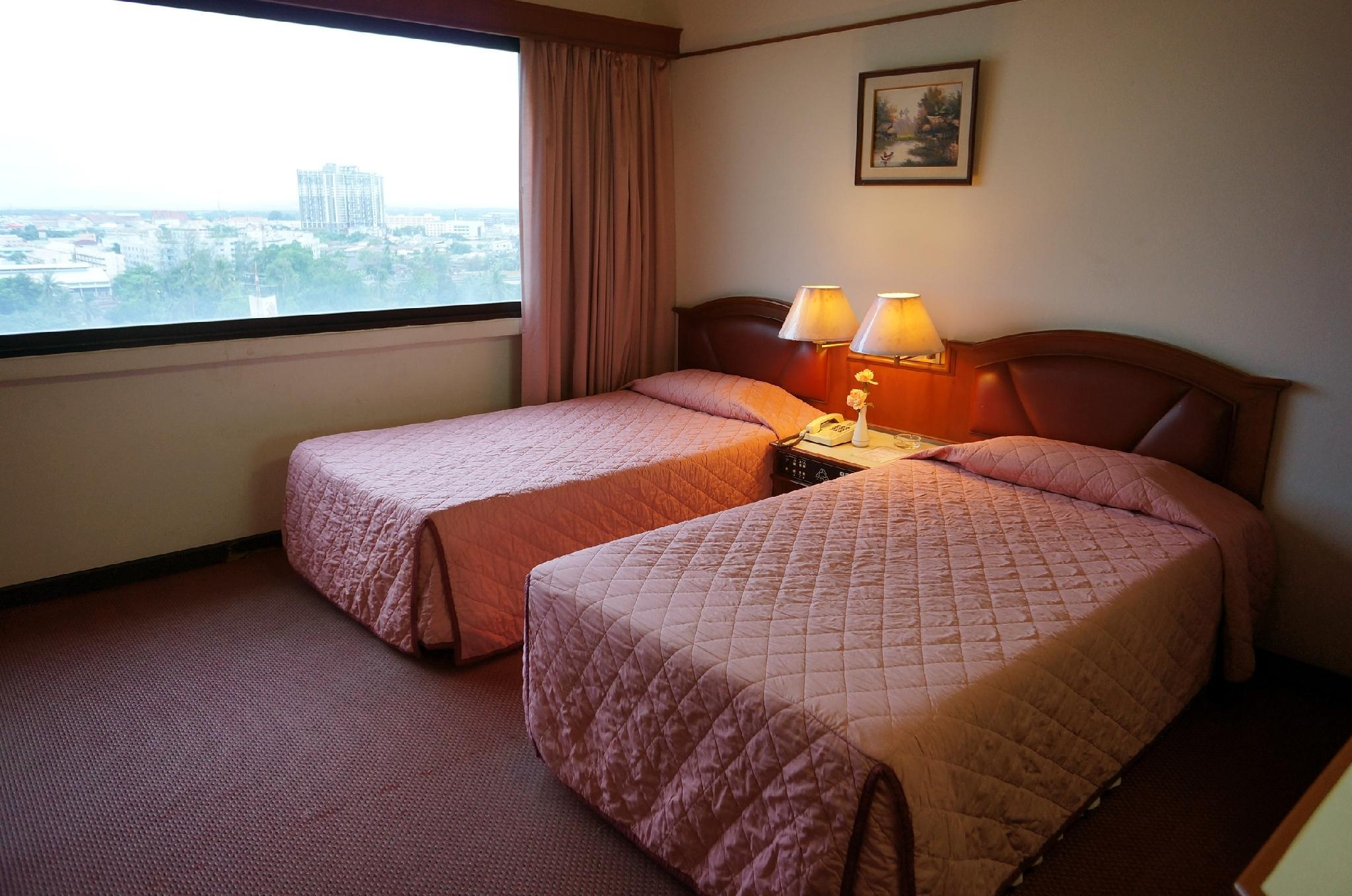 Hatyai Central Hotel in Hat Yai - Room Deals, Photos & Reviews