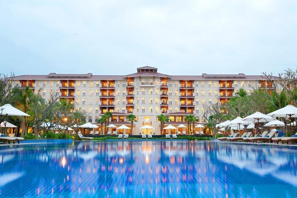 More about Vinpearl Luxury Da Nang