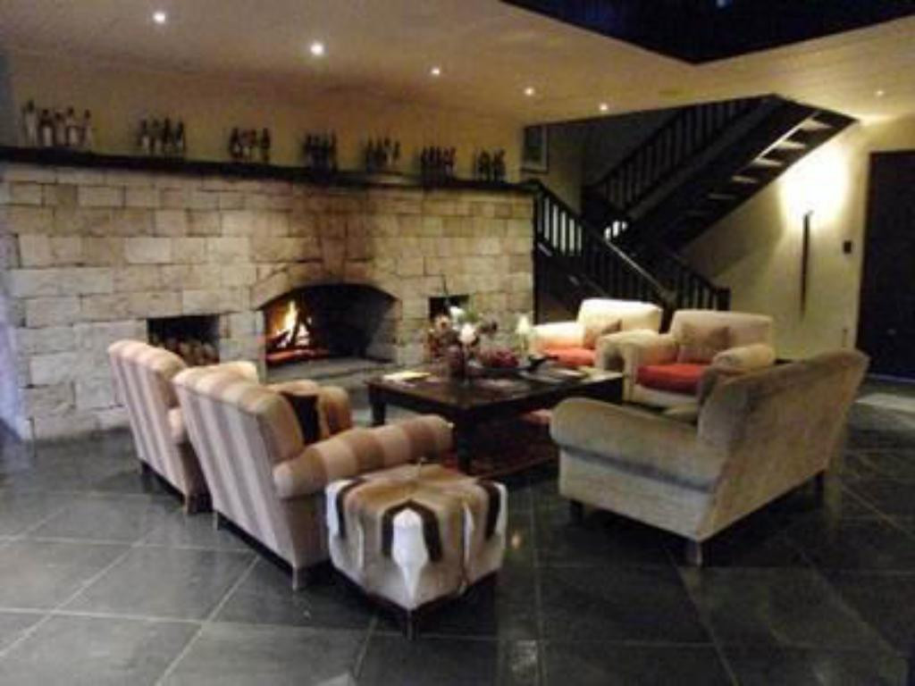 Interior view Kichaka Luxury Lodge
