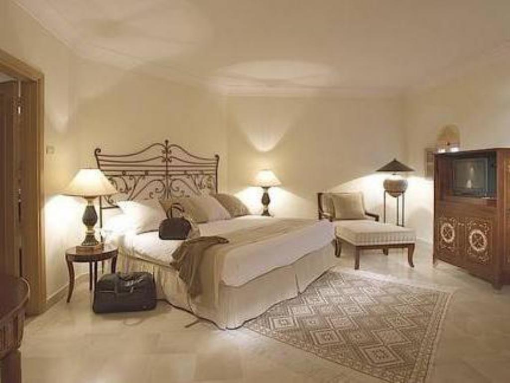 Deluxe King - Guestroom The Residence Tunis