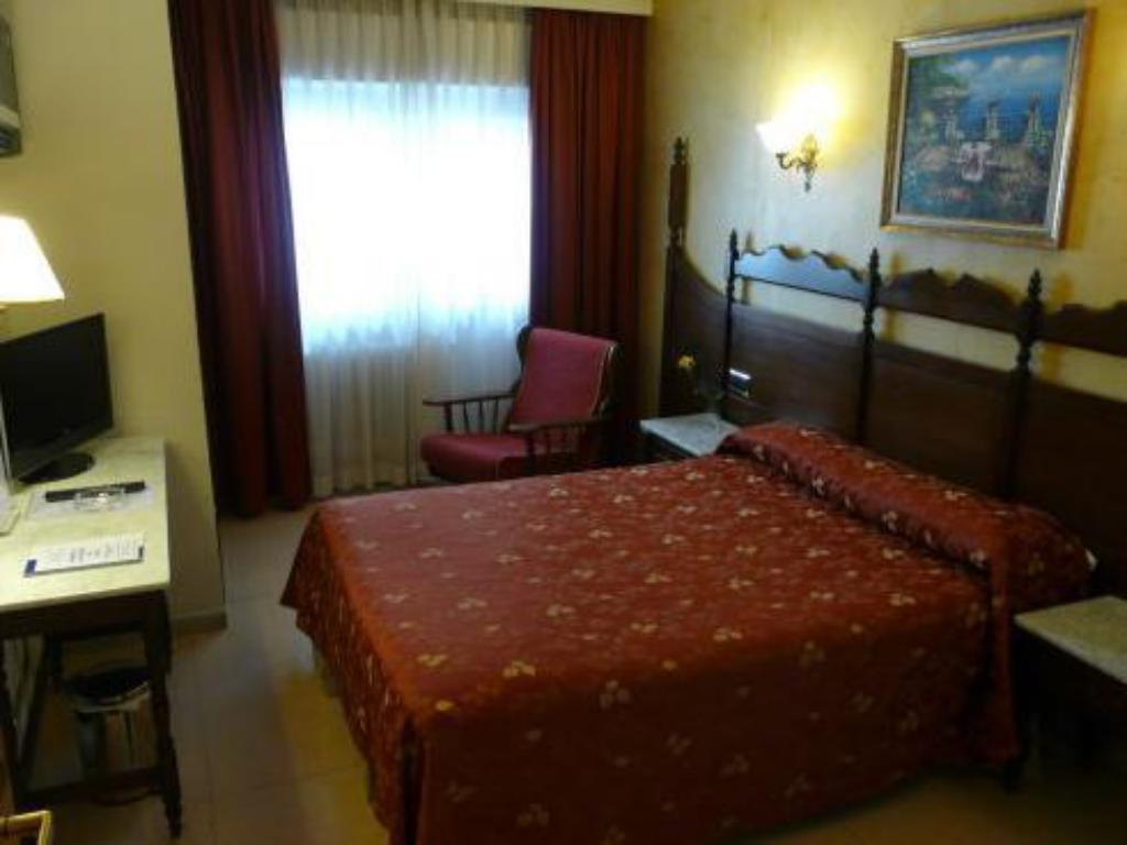 Guestroom Hotel Reyes Catolicos