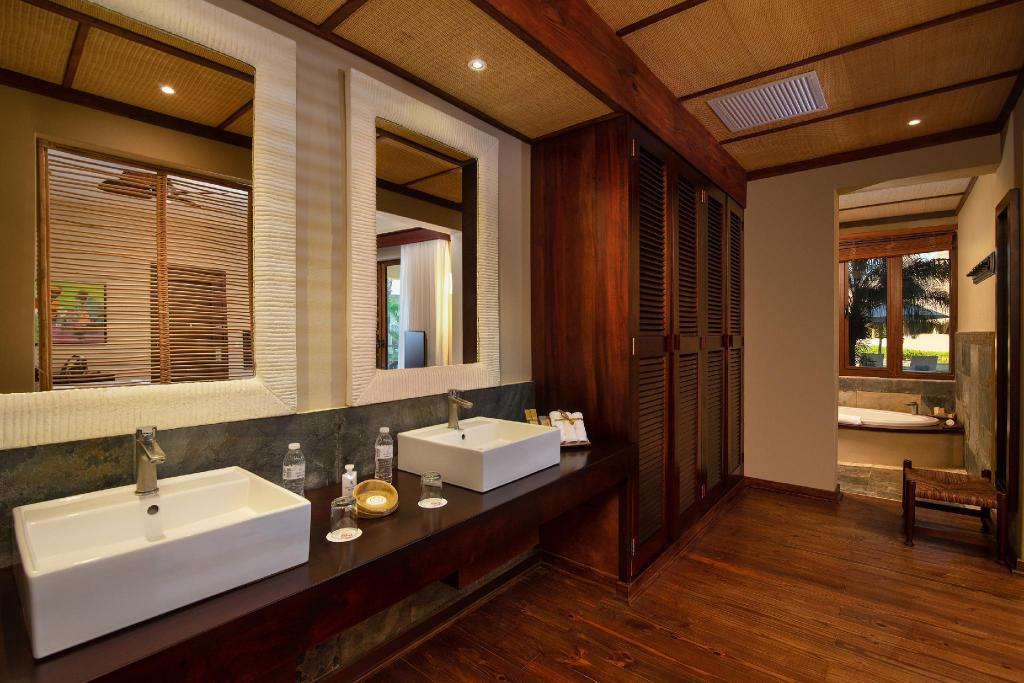 Garden View Junior Suite with Double Bed - Ванная комната Zoetry Agua Punta Cana - All Inclusive