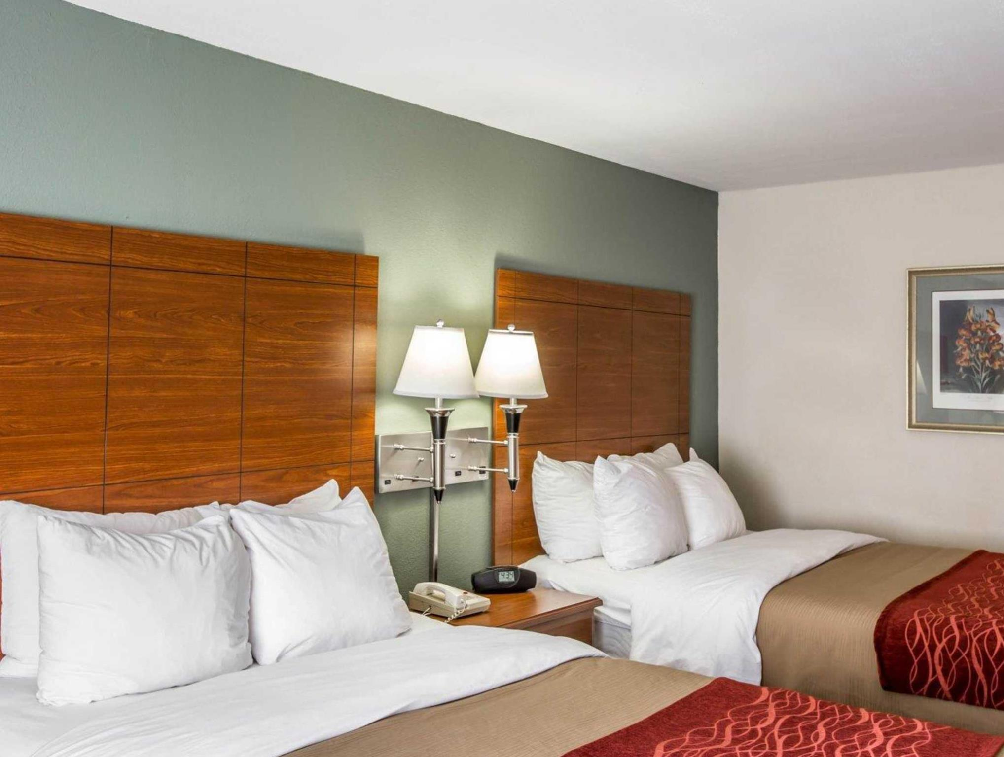 Comfort Inn and Suites Crabtree Valley in Raleigh (NC) - Room Deals ...