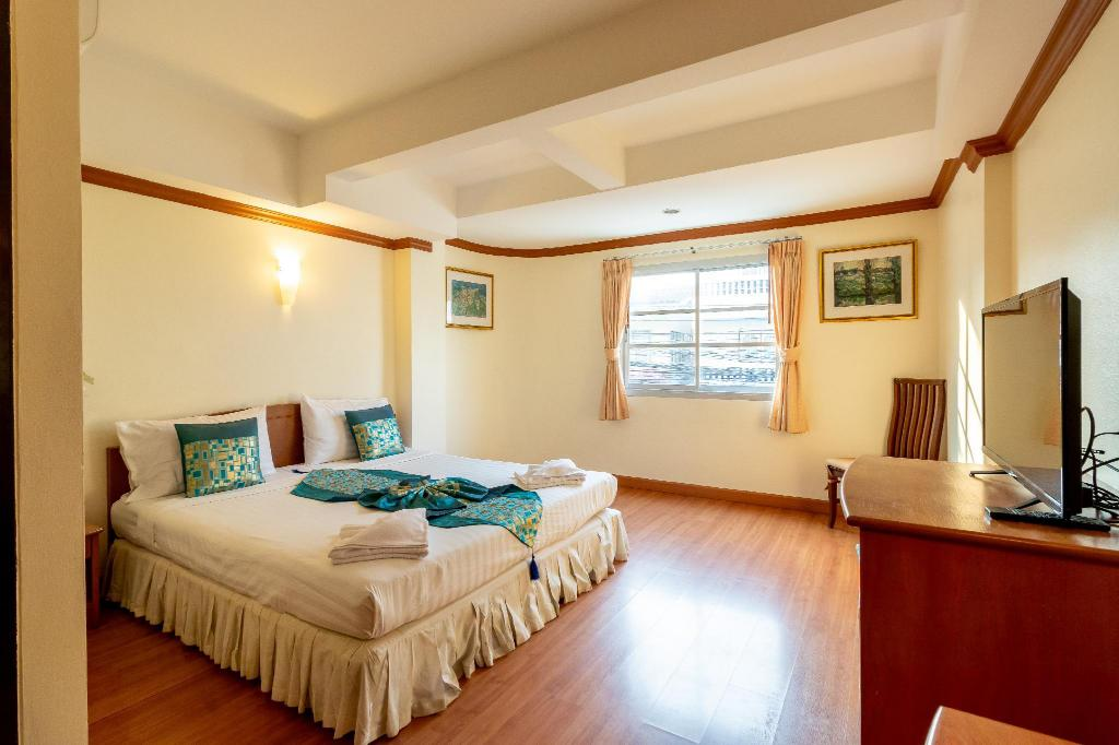 Superior Double or Twin Room - Bedroom Chomsin Hua Hin Hotel