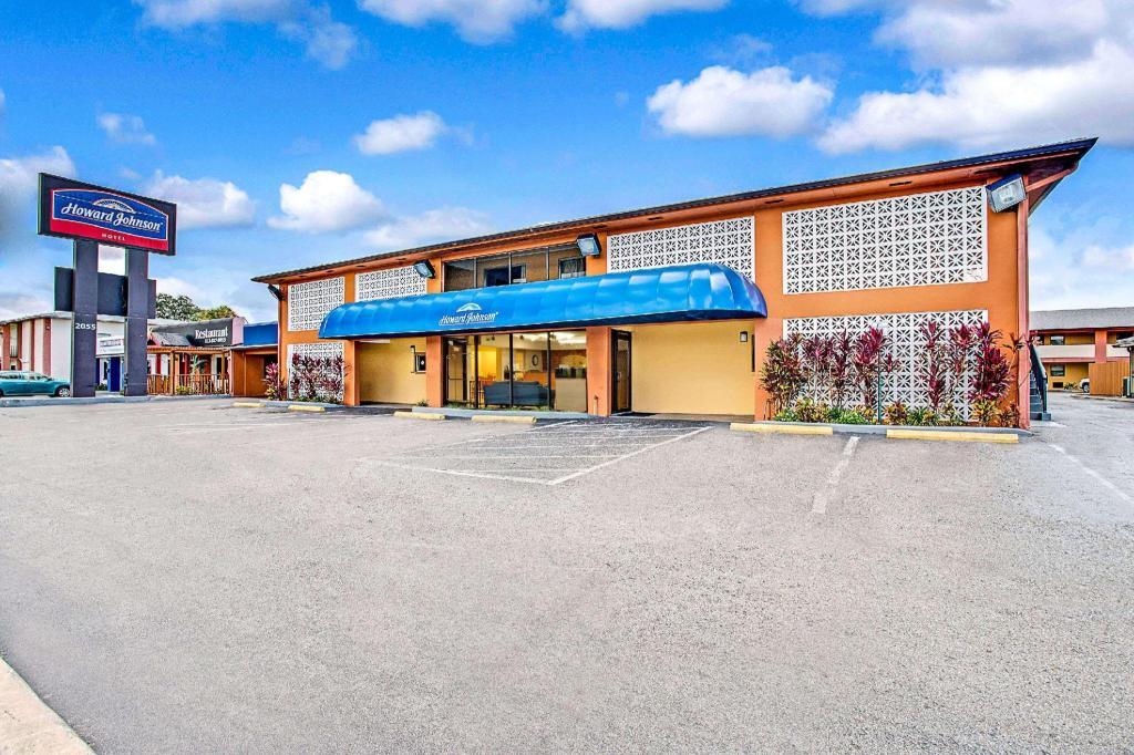Howard Johnson Hotel By Wyndham Tampa Airport Stadium Tampa Fl Ab