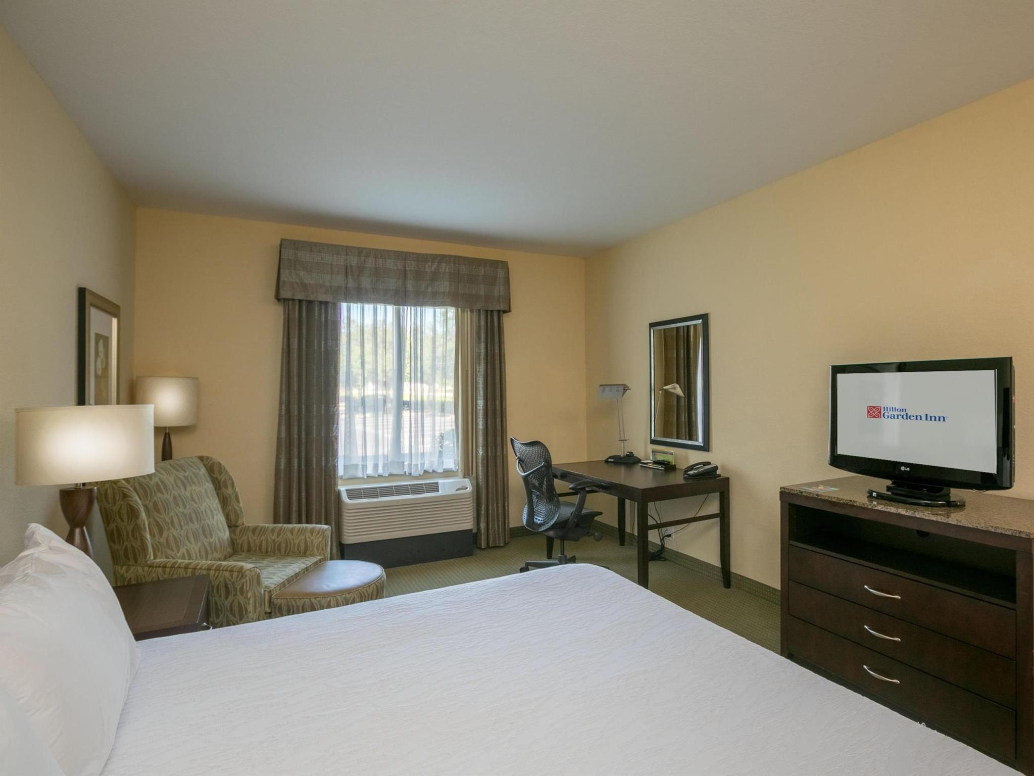 1 King Bed Hilton Garden Inn Lakeland