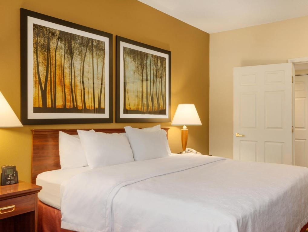 1 King or 1 Queen 2 Bath Accessible Tub Non-Smoking - Номер Homewood Suites by Hilton Kansas City Overland Park