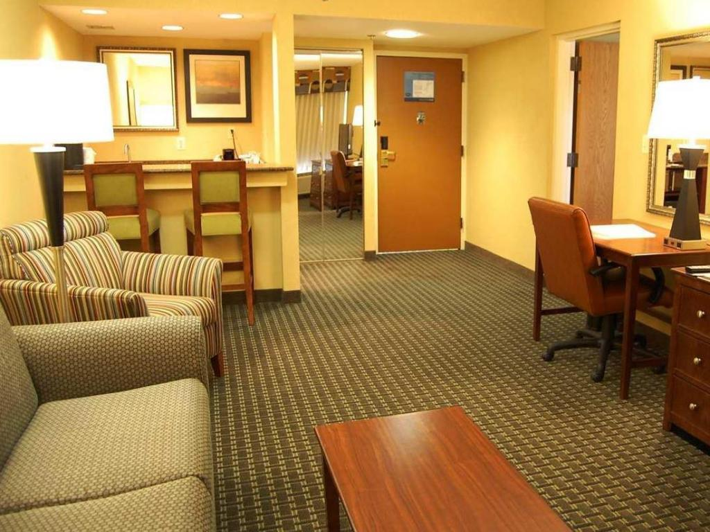 More About Hampton Inn Batesville