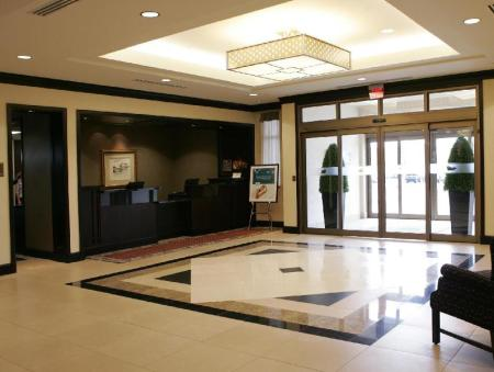 Lobby Homewood Suites by Hilton Toronto Airport Corporate Centre