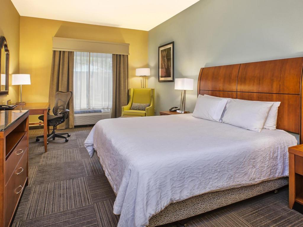 1 king bed guestroom hilton garden inn beaufort - Hilton Garden Inn Beaufort Sc