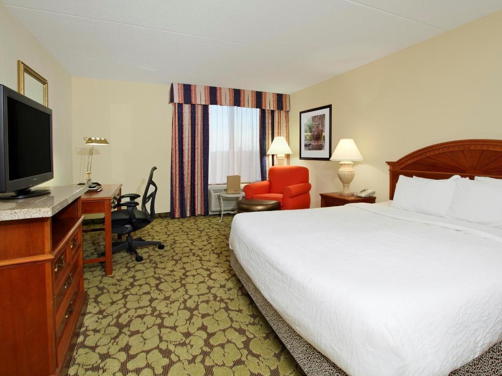 Hilton Garden Inn Chesapeake Greenbrier In Chesapeake Va Room