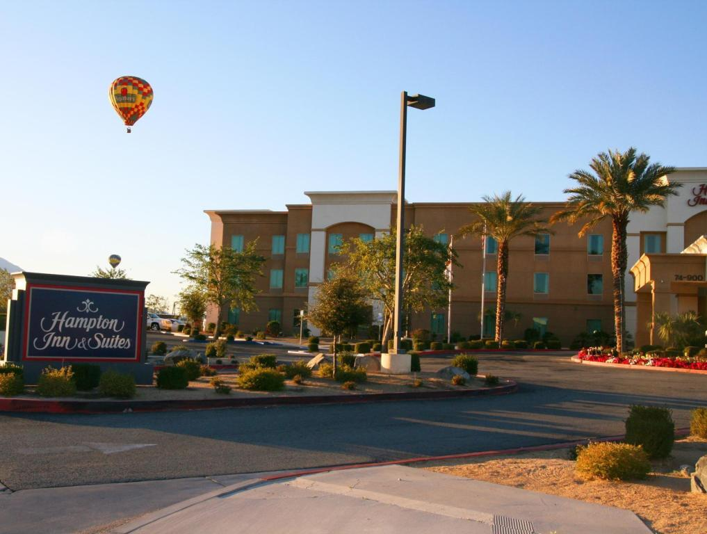 Hampton Inn and Suites Palm Desert