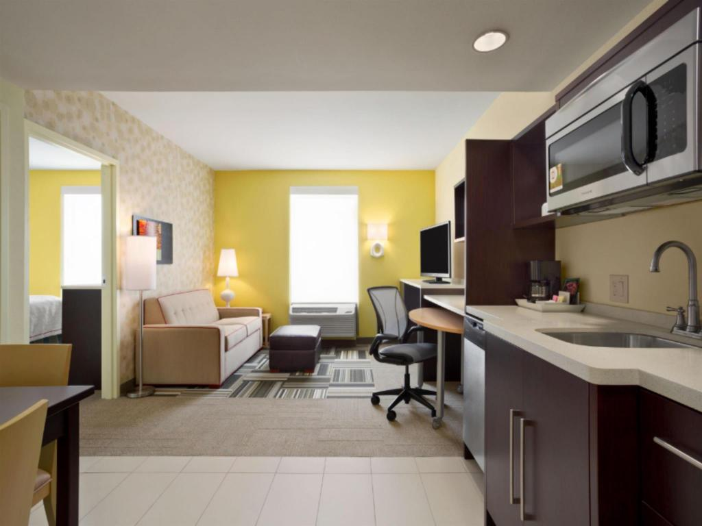 Interijer hotela Home2 Suites by Hilton Greensboro Airport