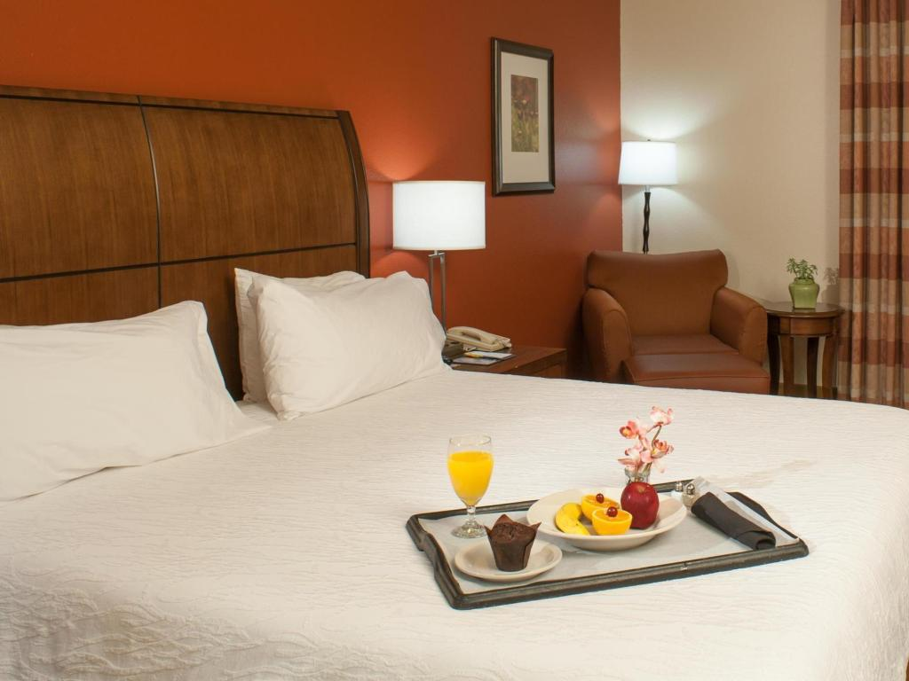 Hilton Garden Inn Tulsa Airport in Tulsa (OK) - Room Deals, Photos ...