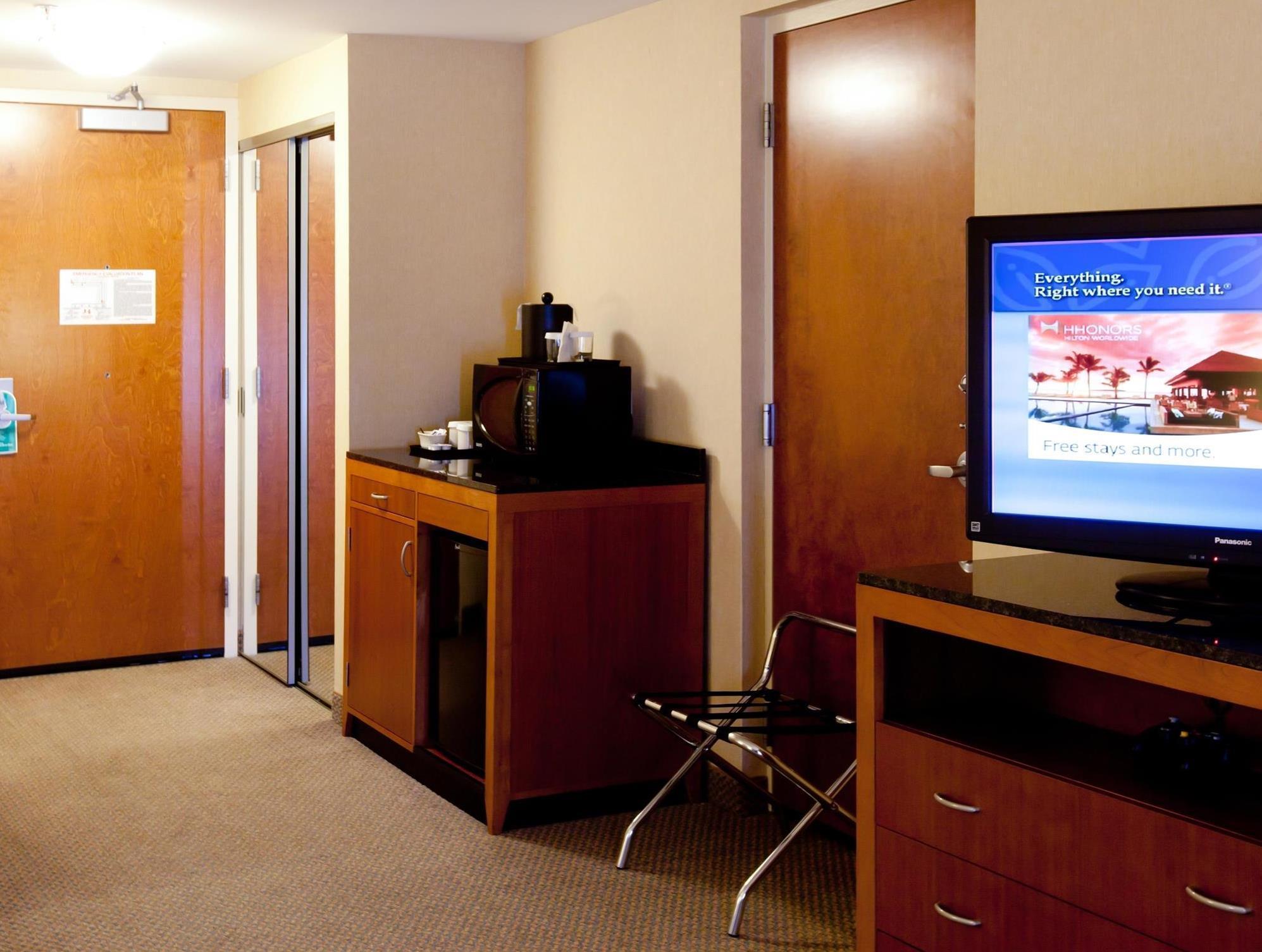 Hilton Garden Inn Freeport Downtown in Freeport (ME) - Room Deals ...