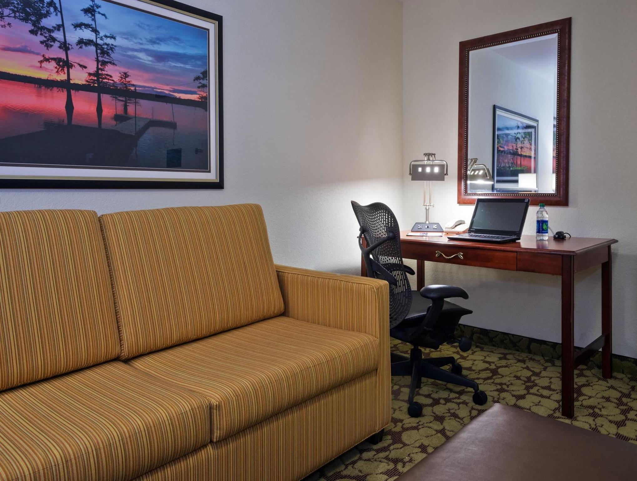 Best Price on Hilton Garden Inn LaFayette Cajundome in Lafayette LA