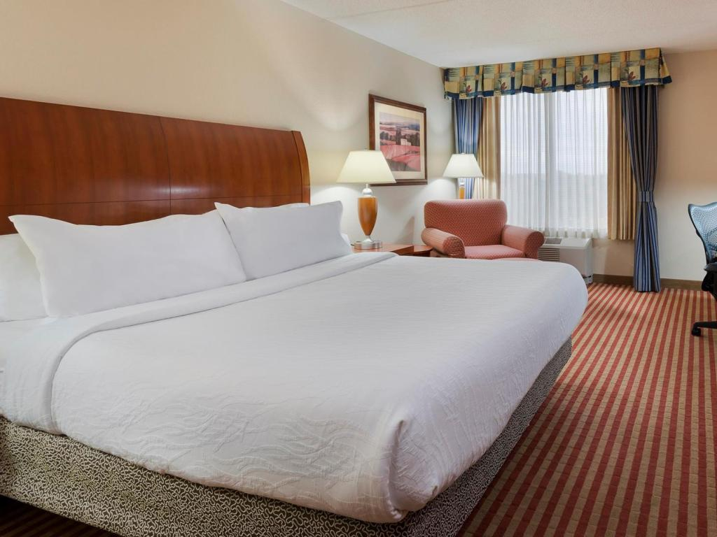 1 king bed bed hilton garden inn washington dc greenbelt - Hilton Garden Inn Dc