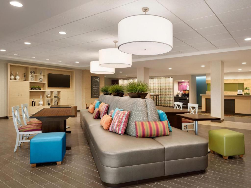 Predvorje Home2 Suites by Hilton Milwaukee Brookfield