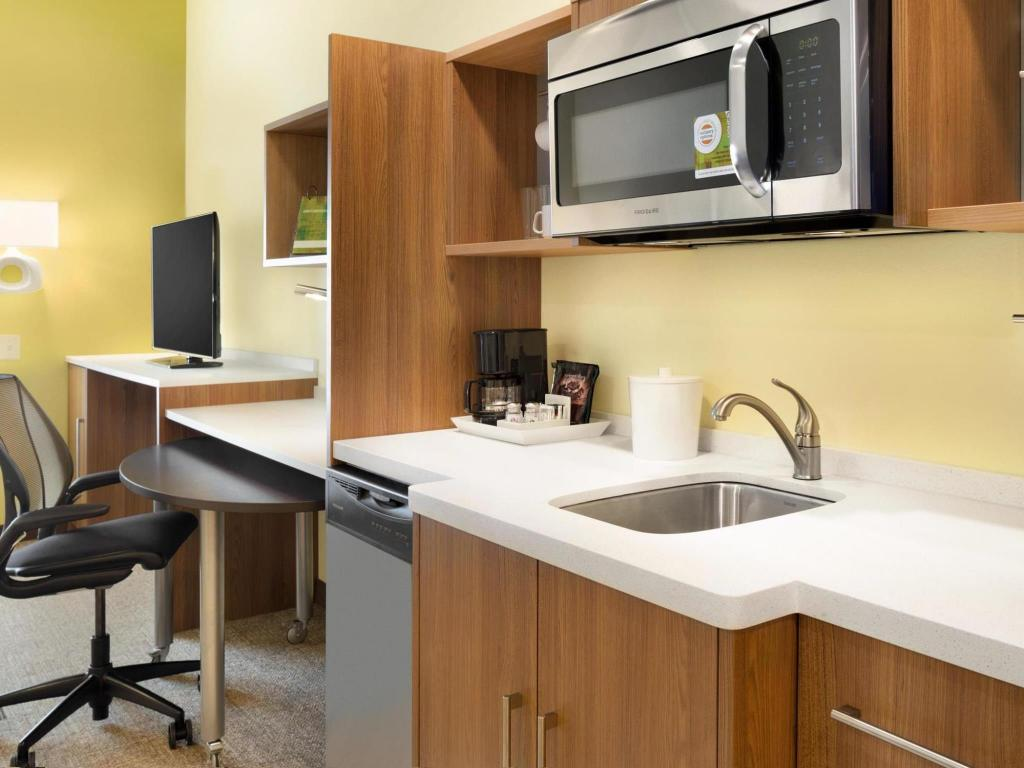Interijer hotela Home2 Suites by Hilton Charlotte Airport
