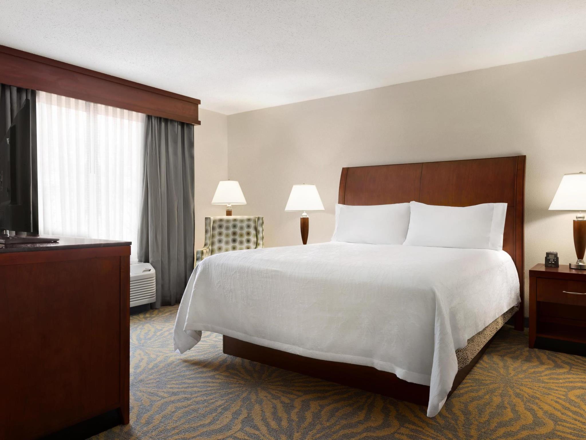 1 king 1 bedroom whirlpool suite - Hilton Garden Inn Shelton Ct